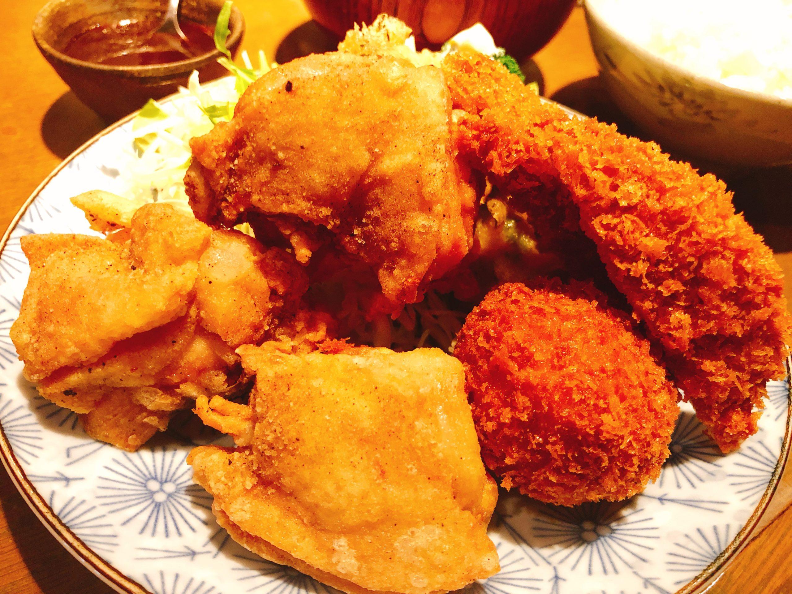 鶏のからあげといろいろ盛り合せ定食