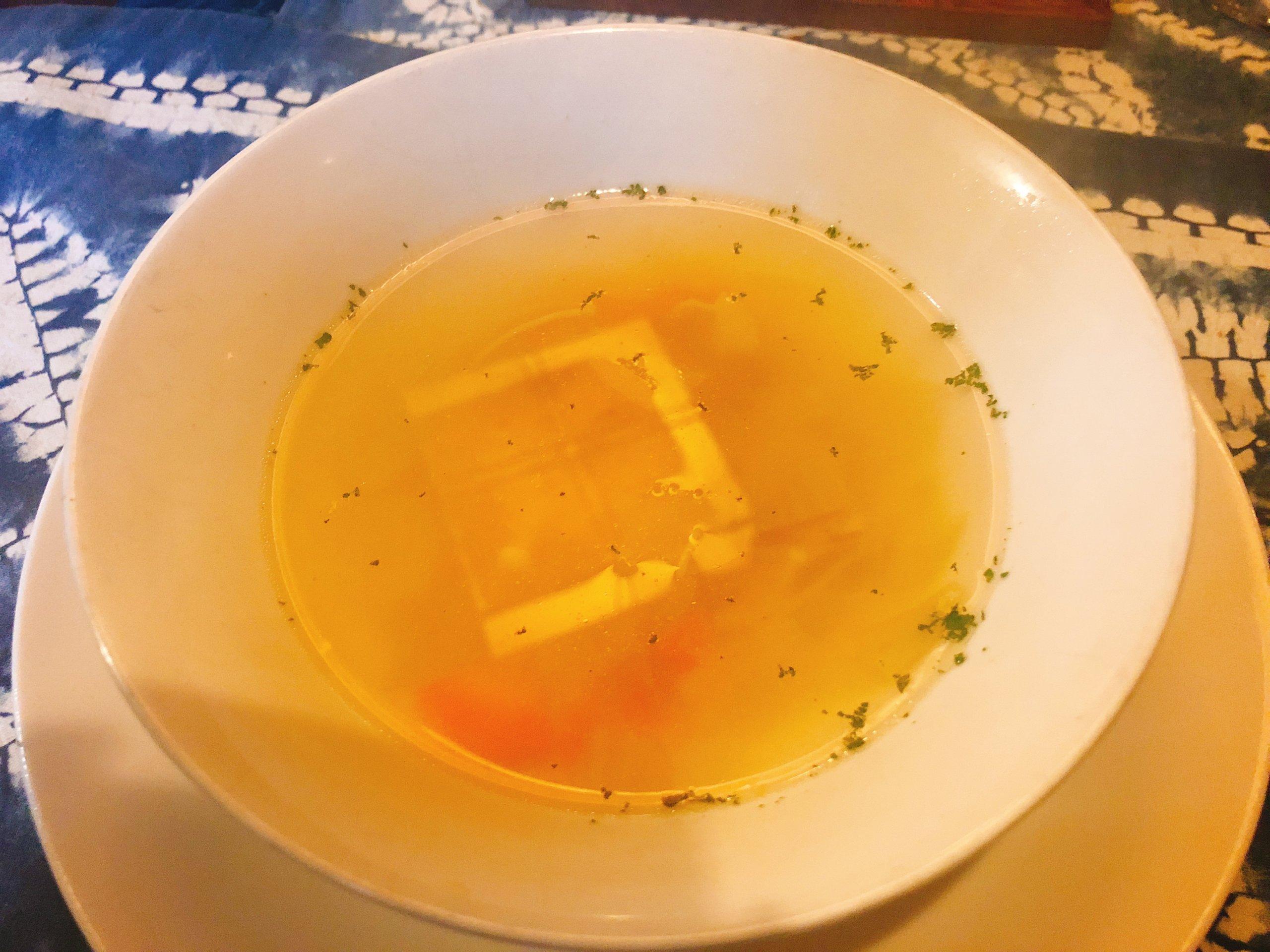 輝くコンソメスープ